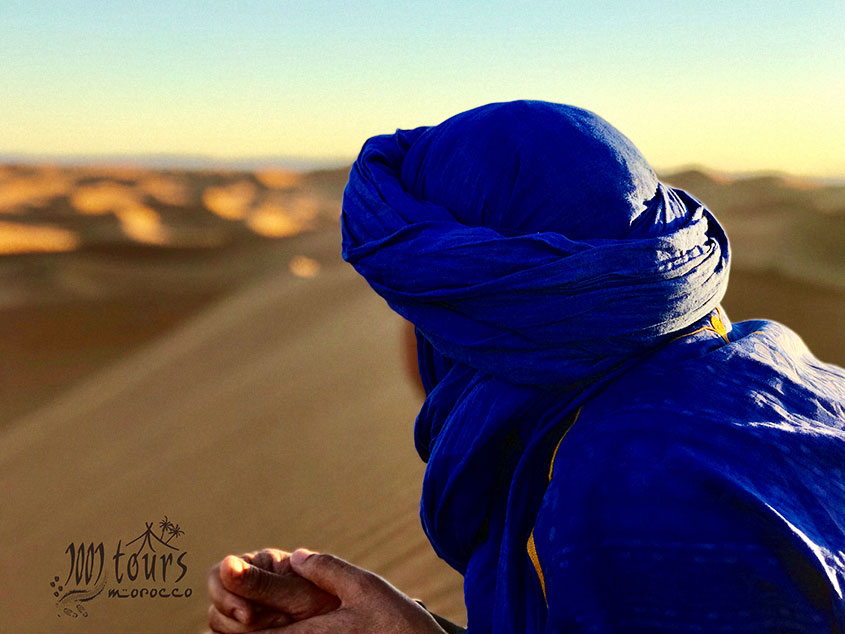 1001 Tours Azul